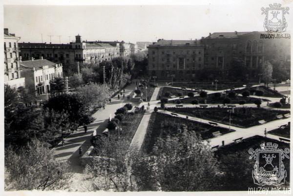 Улица Советская, Каштановый сквер