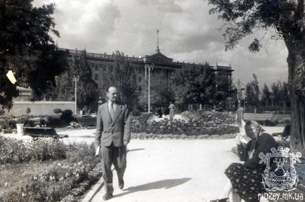 Площадь Ленина, обком партии