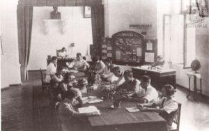 Заседание работников николаевского архива под руководством Стрельского