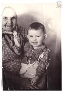 Бабушка Феня с внуком Антоном 1967 г